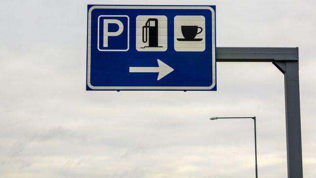 Afbeelding behorende bij Blijf vooral op de snelweg tanken!