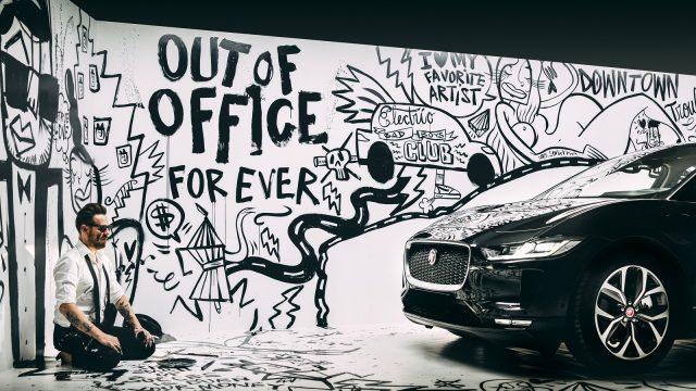 Afbeelding behorende bij Jaguar Land Rover schuift met I-PACE aan bij corporates