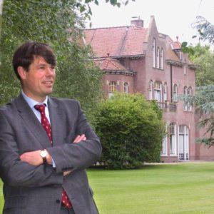 Barend Lambrechtsen verzorgt zowel op het commerciële vlak als vakinhoudelijk de autoleasebranche trainingen. Sinds januari 2009 directeur bij IVA training BV, in 2015 omgedoopt tot KPI training BV