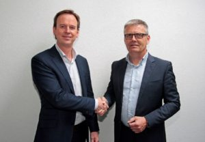 Bart de Hoog, General Manager bij Dragintra Fleet Services (links) & Ed Moné, CEO bij Micpoint (rechts)